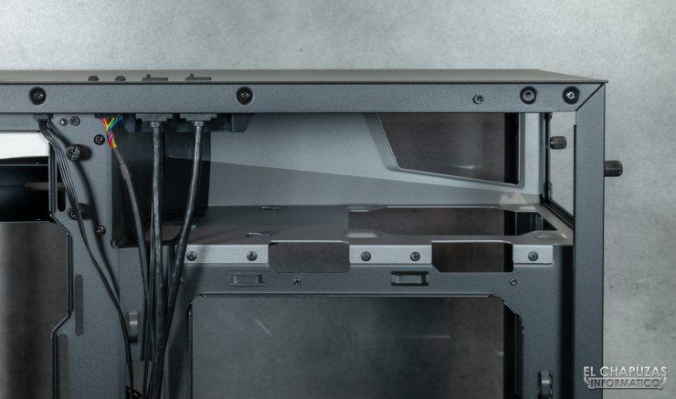 Antec P120 Crystal - Interior 8