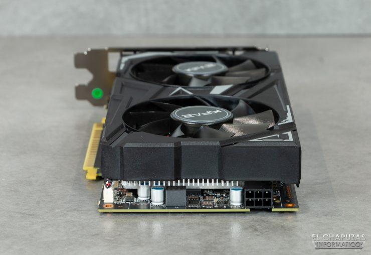 KFA2 GeForce GTX 1650 SUPER EX - Vista conector alimentación