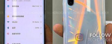 El Xiaomi Mi 10 posa ante la cámara confirmando su cuádruple cámara trasera