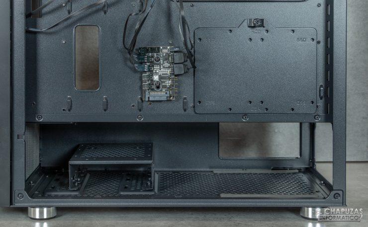 Nox Hummer Nova - Interior - Zona fuente de alimentación y controladora ARGB