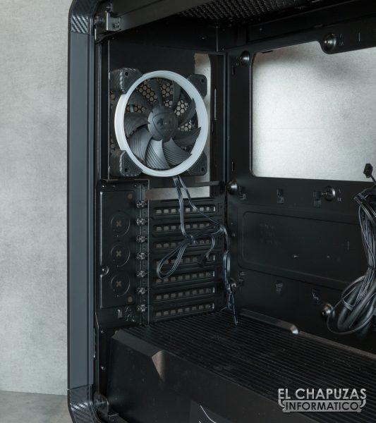 Cougar Panzer EVO RGB - Interior - Lado posterior