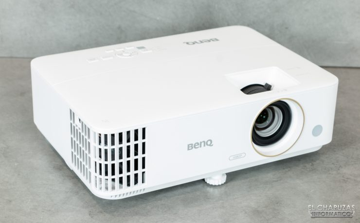 BenQ TH585 - Vista inclinada