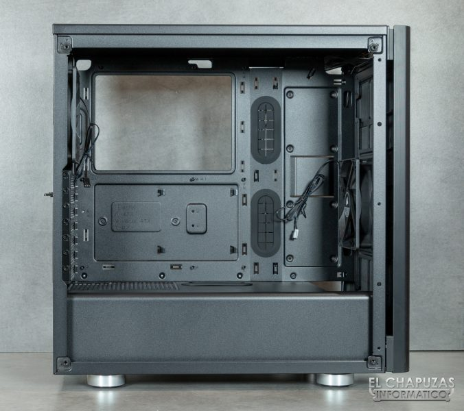 Corsair Carbide 275R - Interior 1