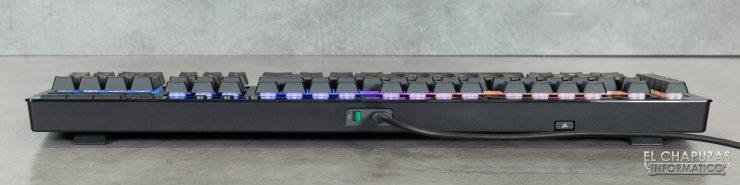 Corsair K57 RGB Wireless - Margen trasero