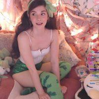 La streamer InvaderVie deja clara la finalidad de las «chicas gamer» con poca ropa
