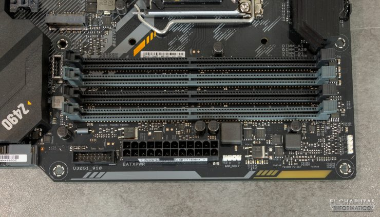 Asus TUF Gaming Z490-Plus (Wi-Fi) - Slots DDR4