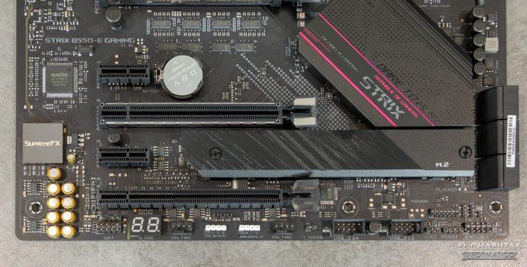 Asus ROG Strix B550-E Gaming (Wi-Fi) - Puertos internos