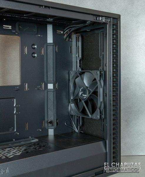 Fractal Define 7 Compact - Interior - Lado frontal
