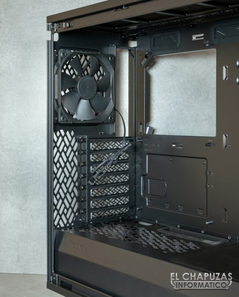 Fractal Define 7 Compact - Interior - Lado trasero