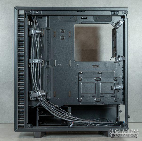 Fractal Define 7 Compact - Interior - Lado posterior