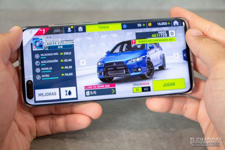 Huawei P40 Pro - Detalle jugando
