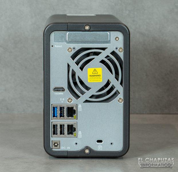 QNAP TS-253D - Vista trasera