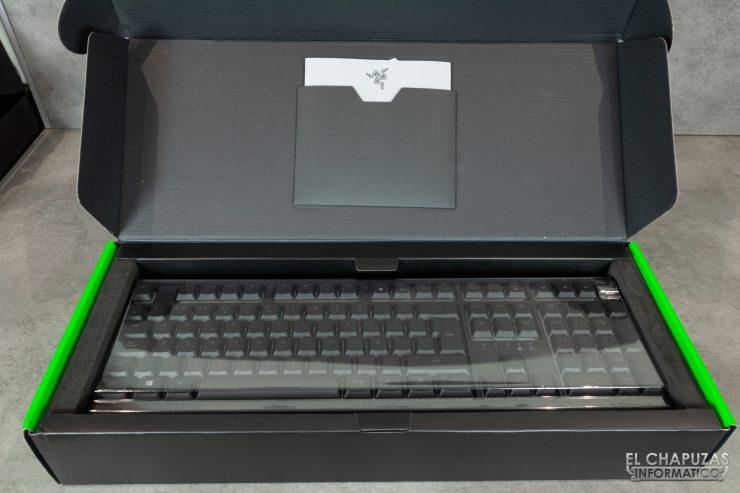 Razer Ornata V2 - Embalaje interior