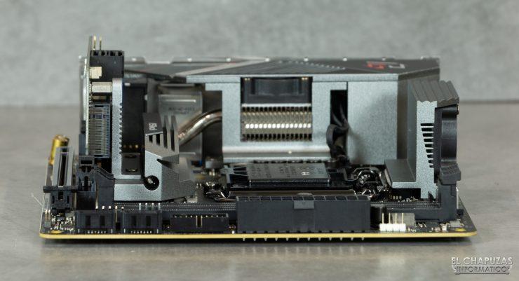 ASRock Z490 Phantom Gaming-ITX/TB3 - Vista margen derecho