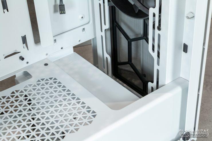 Be Quiet! Pure Base 500DX - Interior - Espacio radiador