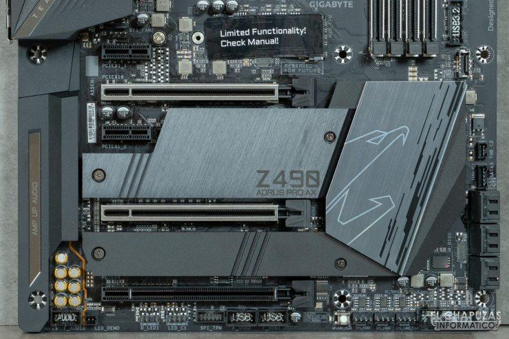 Gigabyte Z490 Aorus Pro AX - Sección inferior