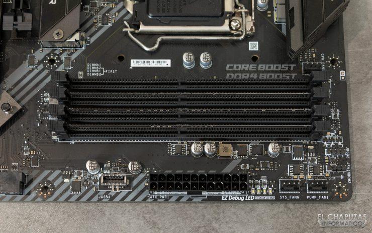 MSI MAG Z490 Tomahawk - Slots DDR4