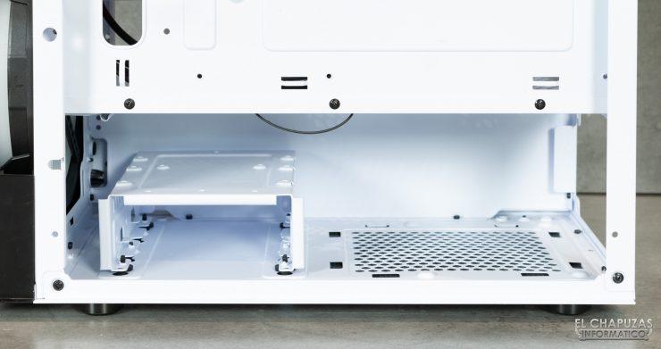 Nfortec Sygnus - Interior - Lado trasero - Detalle espacio fuente