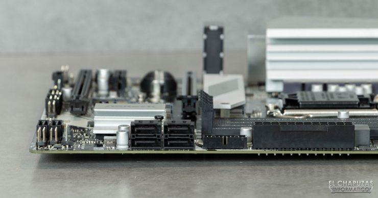 ASRock B460M Pro4 - Conectores margen derecho