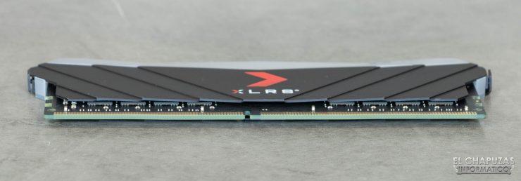 PNY XLR8 RGB - Vista conector