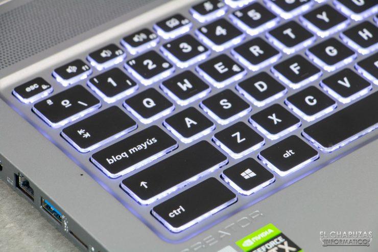 MSI Creator 17 A10SGS - Teclado en detalle