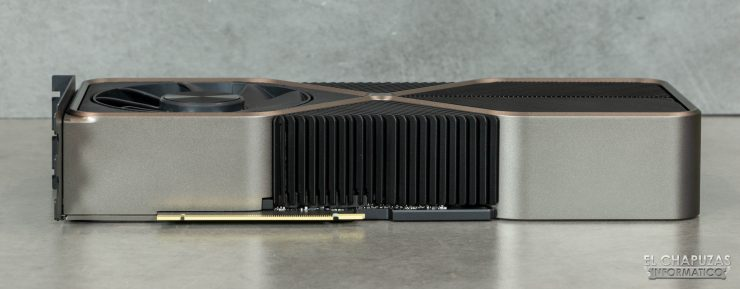 Nvidia GeForce RTX 3090 Founders Edition - Conector PCIe 4.0