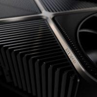 Nvidia indica que la GeForce RTX 3090 es entre un 10-15% más rápida que la GeForce RTX 3080
