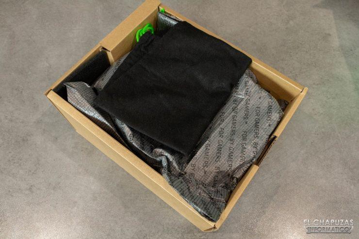 Razer BlackShark V2 - Embalaje interno