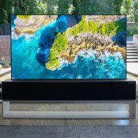 LG Signature OLED R: Televisor con panel OLED enrollable al módico precio de 80.000 euros