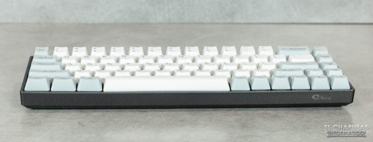 AKKO 3068 - Vista frontal