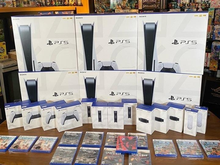 consolas y accesorios de PlayStation 5