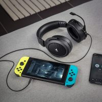 Corsair anuncia sus cascos inalámbricos HS70 Bluetooth pensando en todas las consolas y móviles