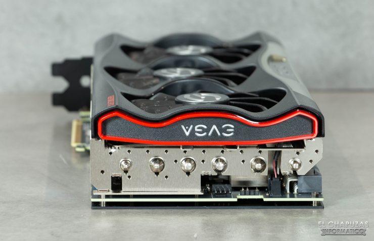 EVGA GeForce RTX 3080 FTW3 Ultra - Conectores PWM y LED extras