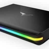 T-Force Treasure: SSD externo con una superficie táctil e iluminación LED RGB