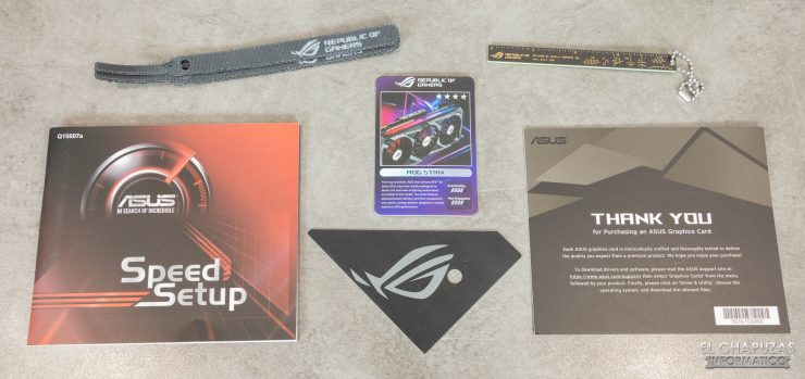 Asus ROG Strix GeForce RTX 3080 OC - Accesorios