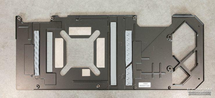 Asus ROG Strix GeForce RTX 3080 OC - Backplate desmontado