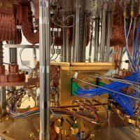 Intel estrena la 2ª Gen de su chip criogénico de control cuántico: Horse Ridge II