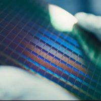 Intel anuncia el aumento de su capacidad de producir obleas a 10nm