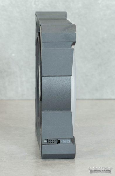 Arctic BioniX P120 A-RGB - Vista lateral 2