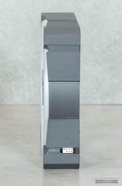 Arctic BioniX P120 A-RGB - Vista lateral 1