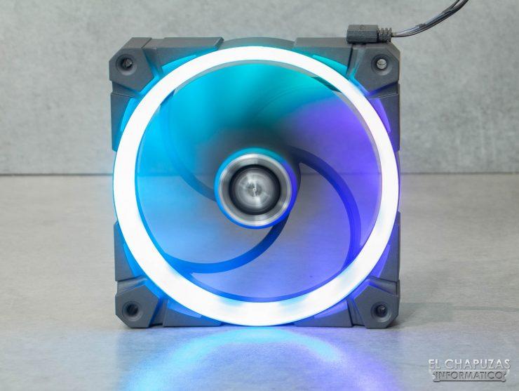 Arctic BioniX P120 A-RGB - Encendido