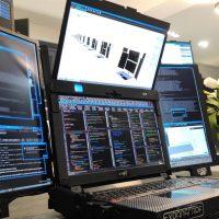 Expanscape Aurora 7: Workstation portátil con nada menos que 7 pantallas y 11,8 kilogramos de peso